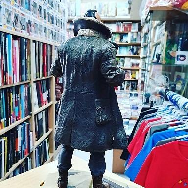 El caballero oscuro: la leyenda renace DC Movie Gallery Estatua Bane 28 cm