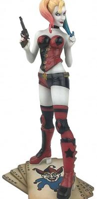 DC Comic Gallery Diorama Harley Quinn 23 cm